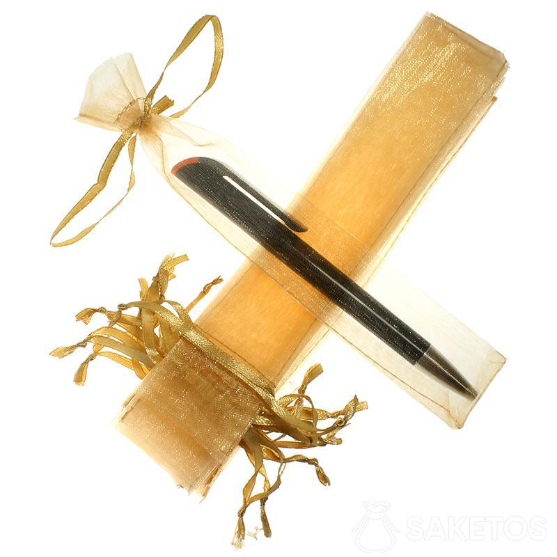 Sacchetto per penna realizzato in organza dorata.