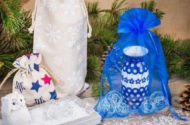 Grazie ai sacchetti il regalo non solo ha un aspetto elegante, ma anche originale.