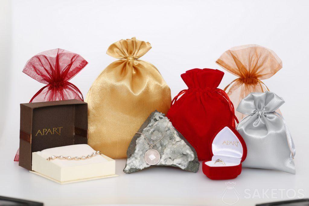 Sacchetti per gioielli che ne sottolineano il carattere e l'eleganza.