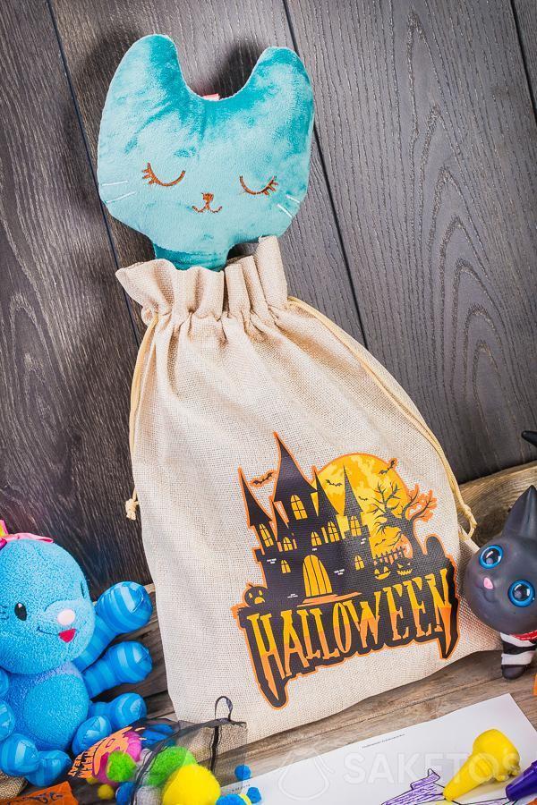 I sacchetti decorativi di Halloween possono servire a decorare la camera dei bambini in maniera originale.