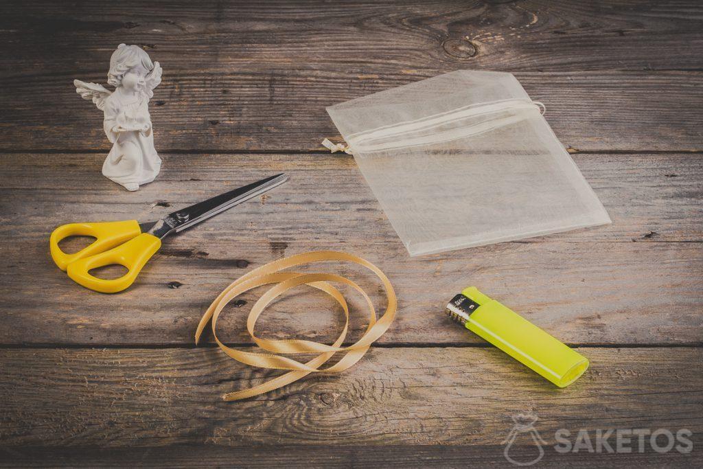 Passo 1 - Innanzitutto è necessario preparare gli strumenti necessari