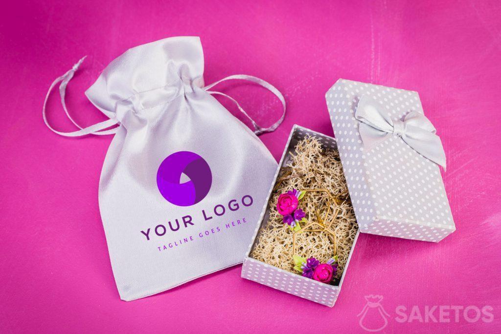 Sacchetto per gioielli con un logo scelto