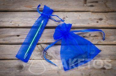 Sacchetti di organza blu come confezioni per gadget promozionali