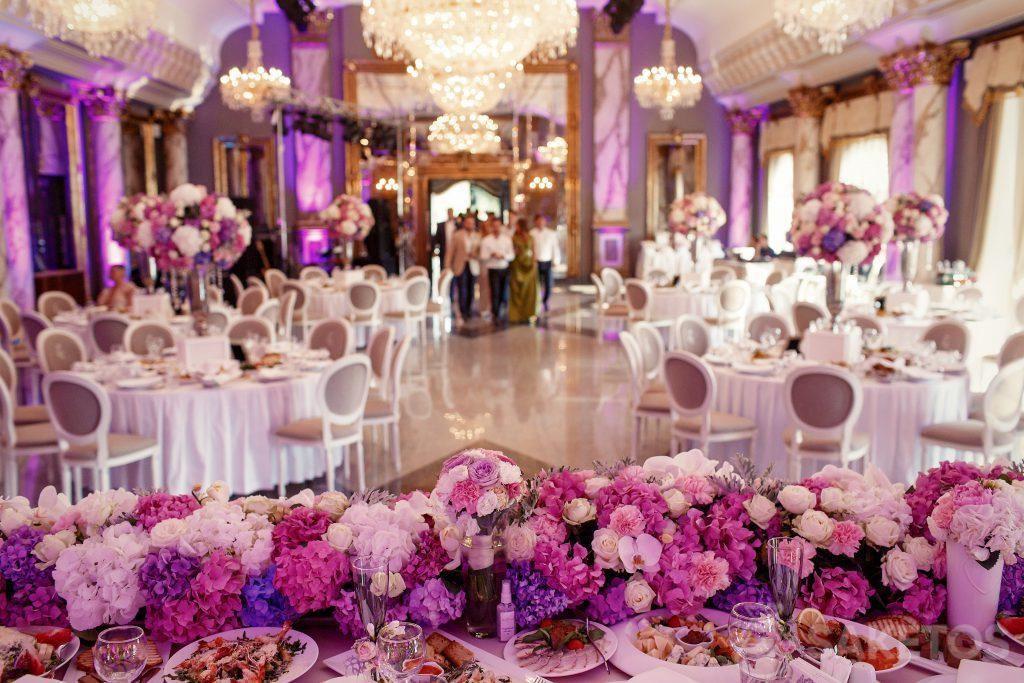 Colore tematico del matrimonio: come decorare la sala del ricevimento?