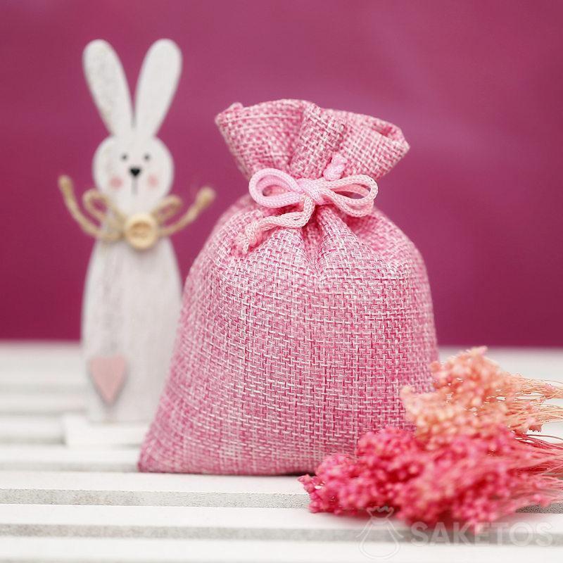 Sacchetti di materiale per creare decorazioni per la Pasqua