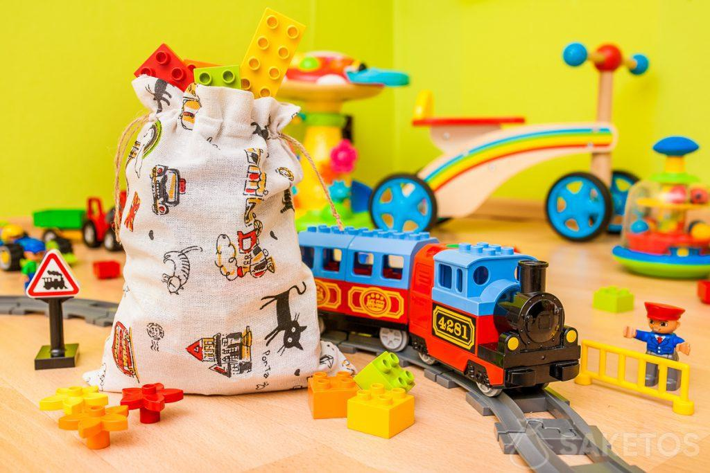 I sacchetti in tessuto sono ideali per conservare giocattoli e confezioni regalo per bambini