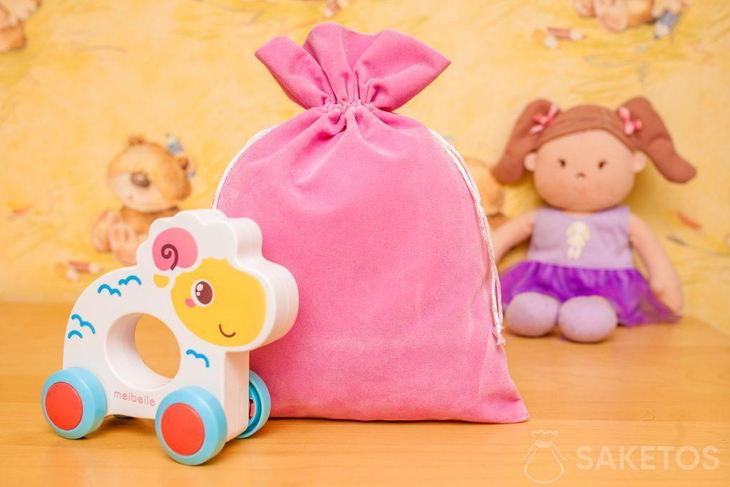 I sacchetti in velluto sono ideali per conservare in modo decorato i giocattoli