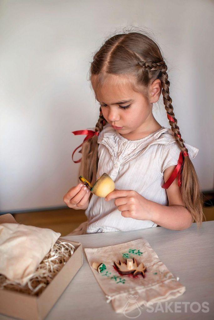 Sacchetti di lino per decorazioni: divertimenti fatti a mano per bambini