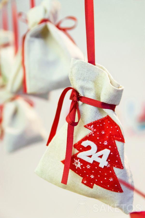 Calendario dell'Avvento con sacchetti per regali