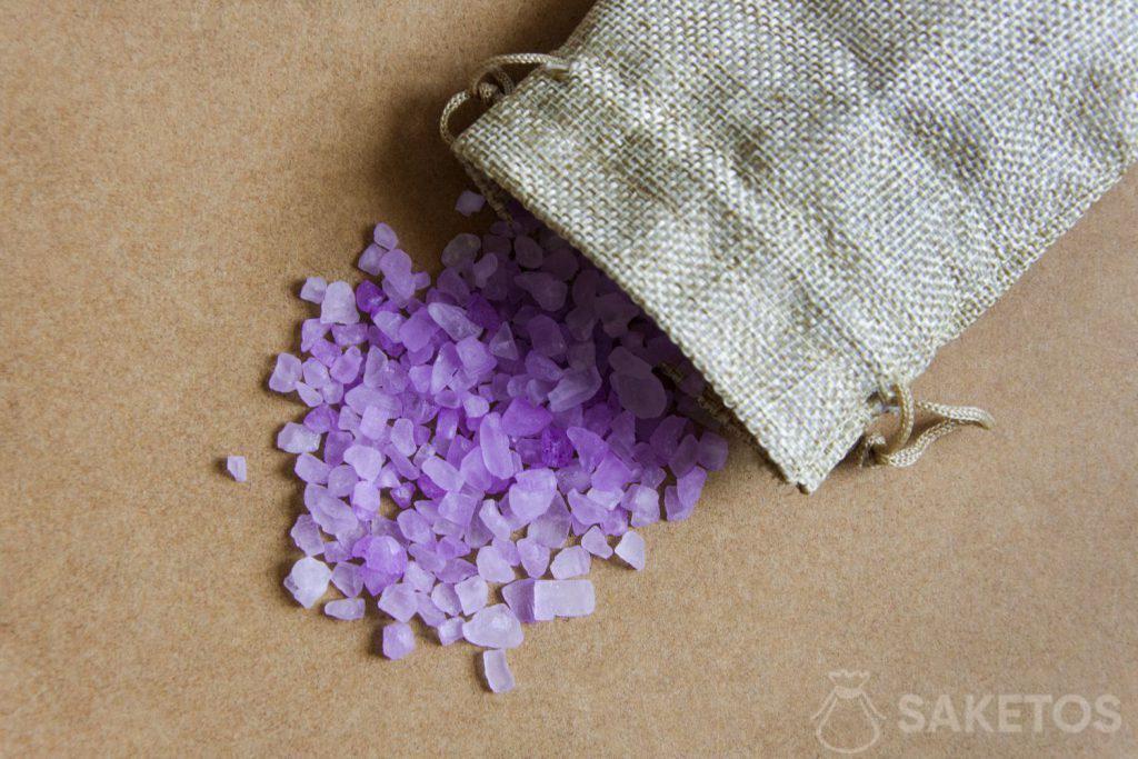 Il silica gel è la soluzione ideale per eliminare l'umidità dalle scarpe
