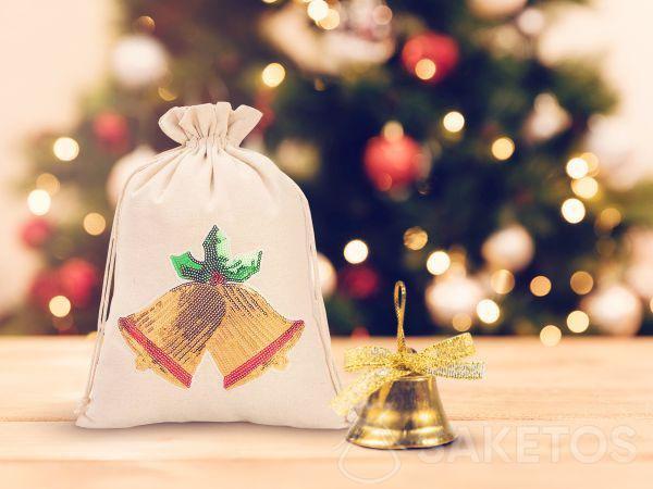 Sacchetto per Natale con decorazione di paillettes