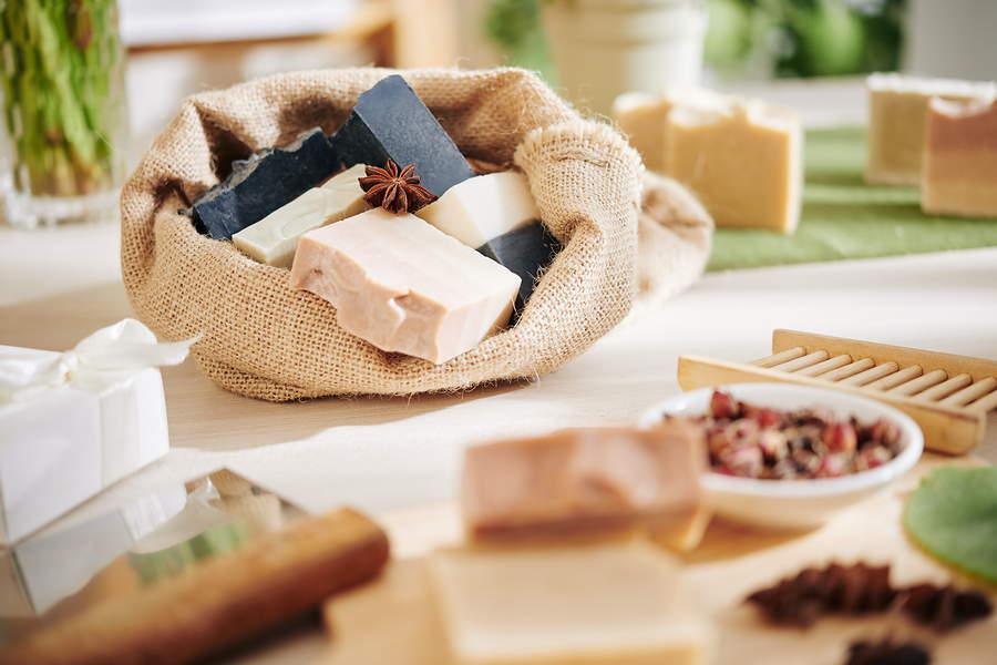 Saponette naturali fai-da-te: ecologiche e sicure per la pelle